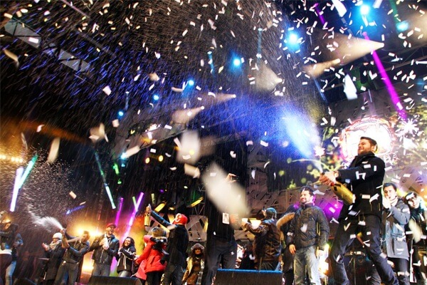 Niagara Falls Canada New Years Eve 2019 Events, Hotel Packages, Hotel Deals, Parties, Fireworks and Live Streaming Tips