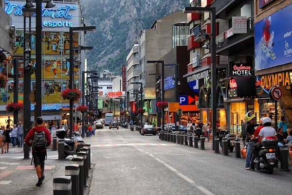 Andorra La Vella New Years Eve 2019 Hotel Packages, Hotel Deals, Events, Fireworks Live Stream Tips, and Party Places