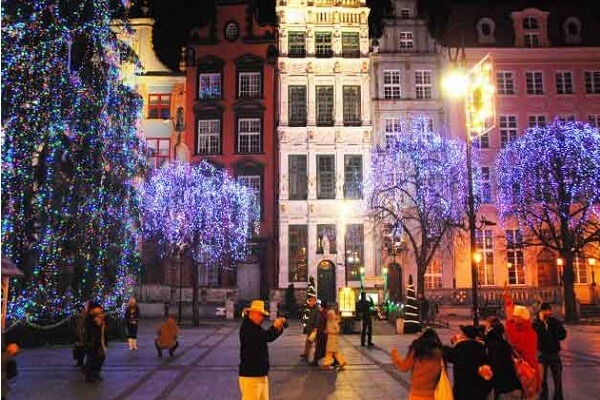 Gdansk New Years Eve 2019 Hotel Packages, Deals, Fireworks Live Stream Tips, and Best Places to Stay